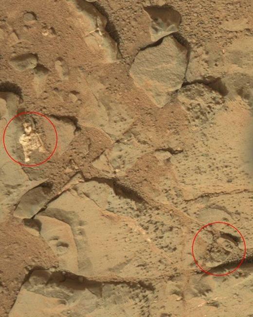 """Hiện các nhà khoa học của NASA đang tiếp tục nghiên cứu nhằm xác định chúng có phải của người ngoài hành tinh hay không. Trong quá khứ, cũng đã có nhiều """"vật thể lạ"""" được phát hiện trên sao Hỏa và nhiều trong số đó được kết luận rằng: đó chỉ là các tảng đá."""