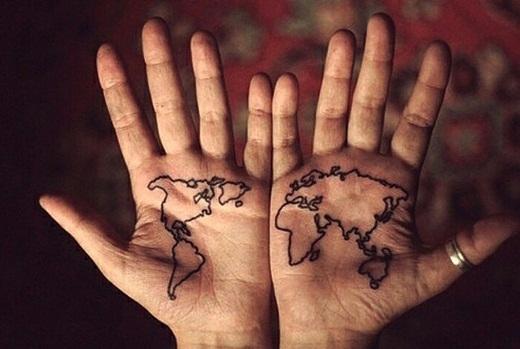 Cả thế giới trong lòng bàn tay.