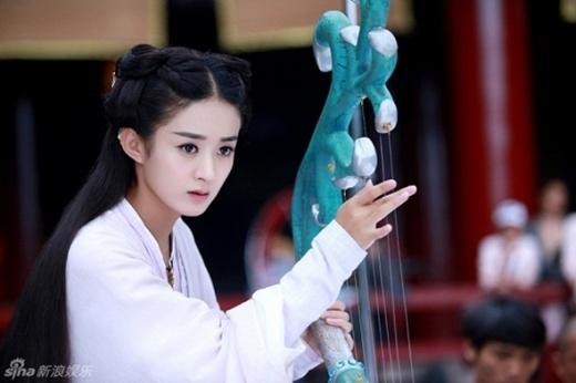 """Chỉ nhờ Hoa Thiên Cốt, Triệu Lệ Dĩnhđã được khen là """"nữ hoàng rating""""."""