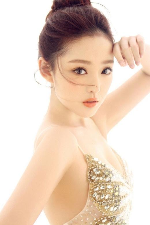 Vẻ đẹp thuần khiết của Vương Khiết Hy.