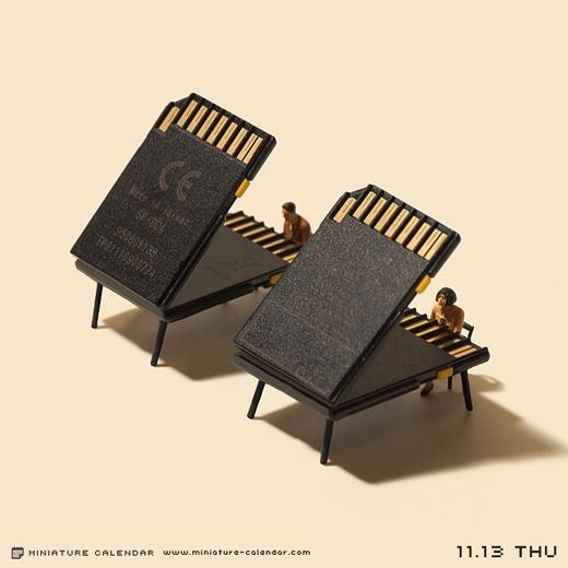 Những chiếc đàn với thiết kế phiên bản thẻ nhớ.