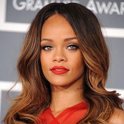 """Rihanna mang tiếng xấu là """"cô nàng hư hỏng""""."""