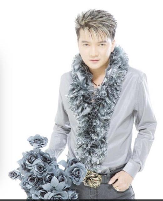 Ai nói lông vũ và hoa hồng không thích hợp với phái mạnh nào? - Tin sao Viet - Tin tuc sao Viet - Scandal sao Viet - Tin tuc cua Sao - Tin cua Sao