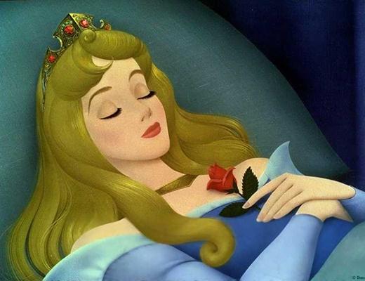 Công chúa ngủ trong rừng hẳn phải có hơi thở cực kì bốc mùi vì đã ngủ quá lâu.