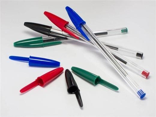 Hàng năm, có khoảng 100 người mất mạng vì bị nghẹt thở do ngậm bút bi.