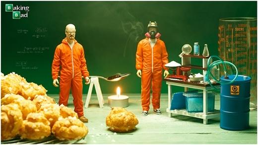 """Nhiếp ảnh gia tái tạo khung cảnh hóa học trong sê-ri phim """"Breaking bad""""."""