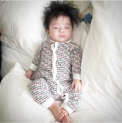 Dù có đi ngủ cũng phải ăn mặc sành điệu.