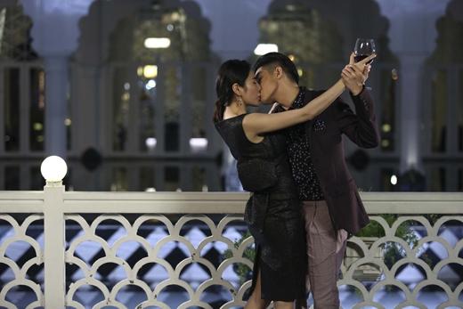 Và sau khi diễn xong lại ngay lập tức đến phim trường để... hôn tiếp. - Tin sao Viet - Tin tuc sao Viet - Scandal sao Viet - Tin tuc cua Sao - Tin cua Sao