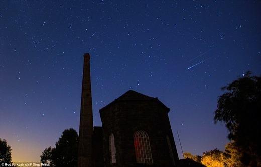 Những vệt sáng liên tục xuất hiện tại Derbyshire.