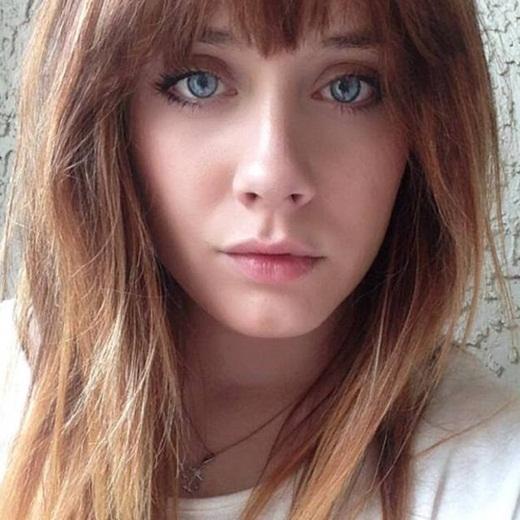 Mọi người thường bảo Amandatrông khá giống Zooey Deschanel hoặc Katy Perry.