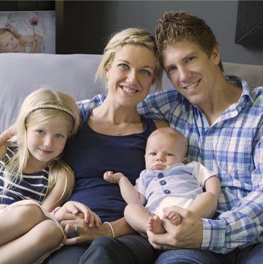 Gia đình hạnh phúc của bé Lexi.