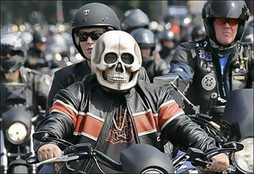 Mũ bảo hiểm phong cách Ghost Rider