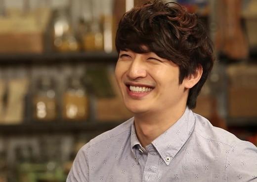 Năm nay đã bước sang tuổi 35 nhưng Son Ho Young vẫn luôn được các fan nhớ đến với hình ảnh anh chàng mắt hí thân thiện của nhóm nhạc huyền thoại G.O.D.