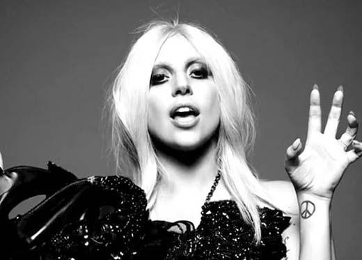 Tuy Lady Gaga hiện nay đã đính hôn, nhưng ít ai biết được nữ ca sĩ đã từng tuyên bố rằng, mình sẽ sống độc thân vì lo sợ ai đó sẽ đánh cắp được sự sáng tạo của cô thông qua đường... quan hệ tình dục.
