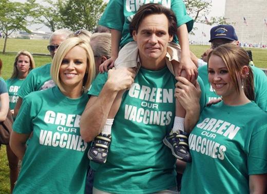 Nữ diễn viên Jenny McCarthy lại tuyệt đối tin rằng tiêm chủng sẽ gây ra bệnh tự kỉ. Chồng cũ của cô, nam diễn viên Jim Carrey cũng ủng hộ niềm tin chống tiêm chủng với cô.