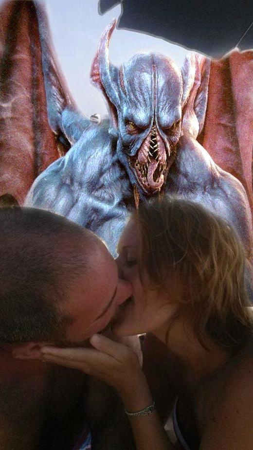 Tình yêu và quỷ dữ - nghe rất ý nghĩa đúng không nào?