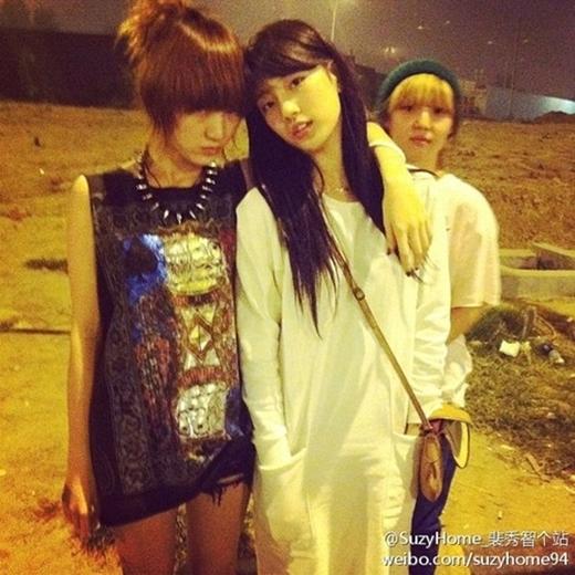 Biểu cảm của Min (Miss A) trong bức ảnh cùngSuzy và Jiađã mang đến cho các fan một tràn cười no nê.