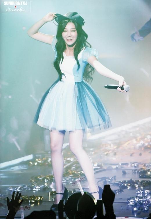 Từ khi ra mắt, vóc dáng của Eunji đã không được đánh giá cao, nhất là phần đùi không mấy thon gọn. Tuy nhiên, từ tháng 9/2014, nữ thần tượng đã quyết tâm giảm cân và khiến các fan bất ngờ với màn lột xác đầy ngoạn mục. Và một trong những lí do thôi thúc Eunji giảm cân chính là chỉ để mặc vừa trang phục biểu diễn của A Pink.