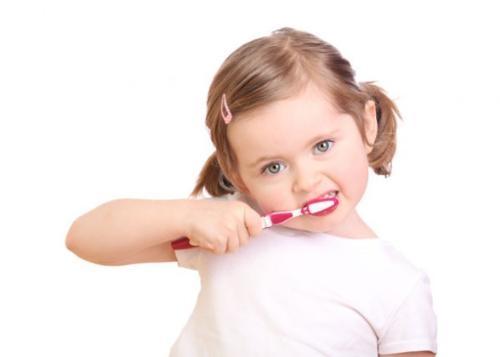 Có các loại kem đánh răng dành riêng cho trẻ em ở các độ tuổi khác nhau.