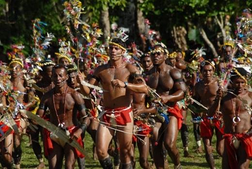 Papua New Guinea – quốc gia nói nhiều ngôn ngữ nhất. Với hơn… 820 ngôn ngữ được sử dụng, Papua New Guinea trở thành một vùng đất đa ngôn ngữ bậc nhất thế giới.