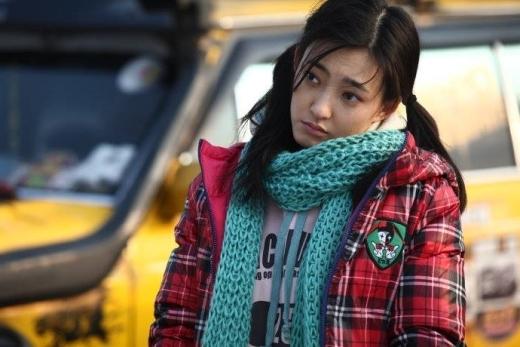 Trong bộ phim này, Vương Lệ Khôn đã phá vỡ hình tượng nữ thần của mình để hoá thân thành cô gái điên bị tâm thần phân liệt.