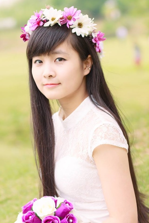 Nhật Lệ có khuôn mặt bầu bĩnh, đáng yêu, gây thiện cảm ngay từ cái nhìn đầu tiên.