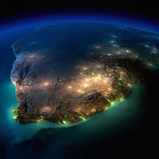 Một vài điểm sáng trên toàn bộ vùng rộng lớn ở Nam Phi.