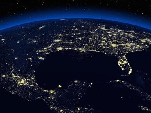 Hình ảnh 'không thể tin nổi' vòng quanh Trái đất khi đêm về.