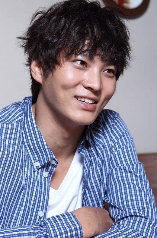 """Joo Won cũng nhận được mức thù lao tương đươngKim Woo Bin. Nhiều người dự đoán, nếu như Yong Pal thành công mĩ mãn, việc anh được """"lên lương"""" là hoàn toàn hợp lí và xứng đáng."""