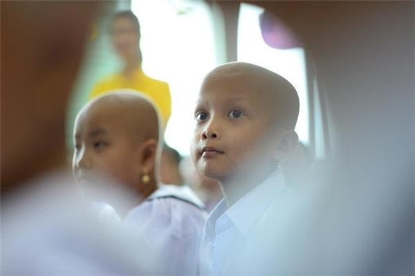 Các em nhỏ bị ung thư cũng có một ngày lễ khai giảng thật sự ấm cúng và vui tươi tại Bệnh viện Ung bướu TP. HCM.