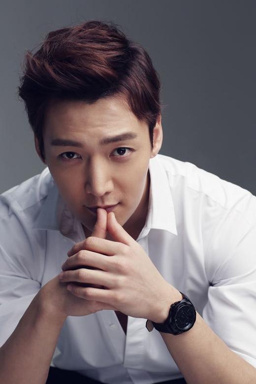 Nam diễn viên Choi Jin Hyuk cũng chia tay người hâm mộ vào khoảng cuối tháng 3/2015 và sẽ trở về sau kì quân sự vào tháng 12/2016.