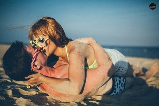 Những hình ảnh ngọt ngào như trên phim đã khiến các bạn trẻ không khỏi ghen tị với cặp đôi này .