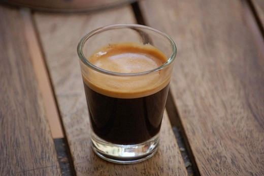 ... hay espresso đắng và đậm đặc dành cho người sành điệu, cà phê Ý đã thành công trong việc ghi điểm với người Việt Nam.