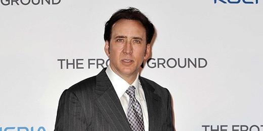 Ở tuổi 16, Nicolas Cage cũng đã từng rời khỏi trường trung học Beverly Hills để theo đuổi sự nghiệp diễn xuất.