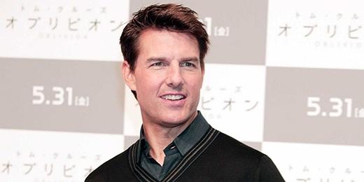 Tom Cruise từng mơ ước được trở thành linh mục trong suốt khoảng thời gian trưởng thành, thế nhưng sau khi tham dự một lớp diễn xuất, anh đã quyết định thay đổi con đường tương lai. Tom rời trường trung học (Chủng viện Franciscan) sau khi chỉ mới nhập học được 1 năm và chuyển đến New York để theo đuổi sự nghiệp.