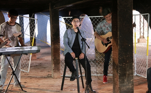 """Đến với Mộc (Unplugged) lần này, Ka Đinh sẽ thể hiện ca khúc do chính mình sáng tác """"Nỗi cô đơn màu xanh""""."""