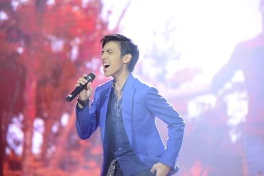 'Tôi rất thần tượng anh Thanh Bùi và đến đây để biểu diễn khách mời trong một cuộc thi âm nhạc quốc tế trong khu vực. Điều đó thật sự rất ý nghĩa cho lần đầu tiên tôi đến Việt Nam, tôi tự hào và cảm thấy may mắn khi được mời tham gia chương trình', Miguel Antoniochia sẻ.