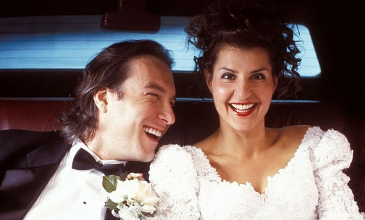 Nia Vardalos và John Corbett đã cùng nhau truyền tải một câu chuyện tình yêu vô cùng đáng yêu với sự giúp đỡ của gia đình Greek hài hước.