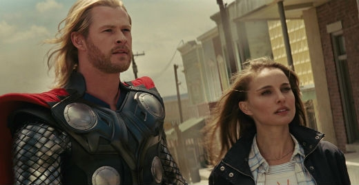 Thor là một vị thần đến trái đất bị mất hết siêu năng lực và nhận ra mình có tình cảm với cô nàng Jane Foster. Chris Hemsworth cùng Natalie Portman đã hoá thân xuất sắc vào vai hai nhân vật yêu nhau và để lại nhiều cảm tình cho khán giả.