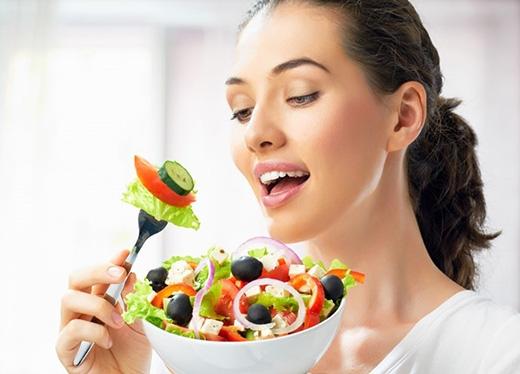 Ăn uống lành mạnh giúp giữ gìn sức khỏe.