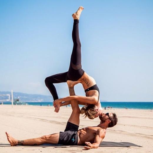 Tập gym giảm cân cho cặp đôi yêu nhau