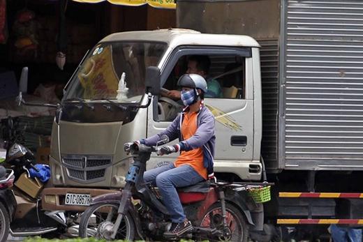 Rất nhiều 'xe mù' tại khu vực chợ Kim Biên
