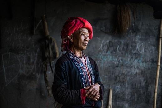 Phụ nữ ngườidân tộc Dao Đỏ(Ảnh:Rehahn)
