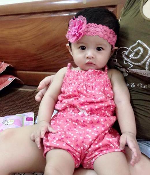 Vợ chồng chị Thanh đã cố gắng thụ thai trong 7 năm mới có được cô 'công chúa' xinh đẹp này.
