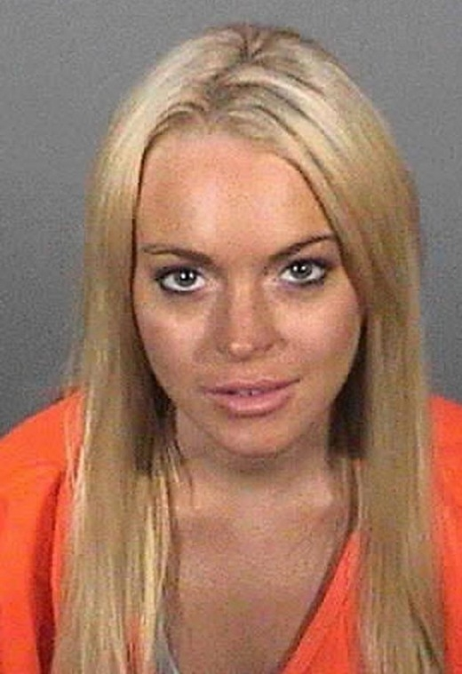 Vào năm 2010, Lindsay Lohan bị phạt 90 ngày trong tù bởi vì đã vi phạm trong lúc thụ án treo.