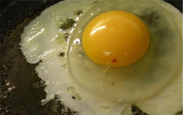Ngỡ ngàng với 10 sự thật về trứng gà