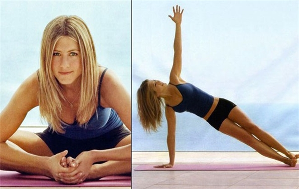 """Jennifer Aniston có một """"mối quan hệ mật thiết"""" với yoga, nữ diễn viên luôn khẳng định rằng chính việc luyện tập thường xuyên đã khiến cô có vẻ ngoài khỏe khoắn và trẻ lâu đến vậy. Aniston từng chia sẻ: """"Yoga thay đổi hoàn toàn cuộc sống của tôi, là một trong những bài tập thể dục vui nhất mà tôi từng trải qua"""". Người bạn thân của Aniston hiện cũng đang là người hướng dẫn cô những bài tập yoga mỗi ngày."""