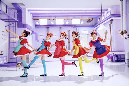 Minh Hằng và Red Velvet lần lượt tung MV xinh đẹp