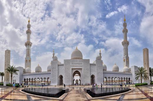 Choáng ngợp với mức độ giàu có đến ngông cuồng của Dubai