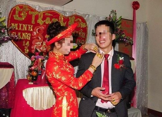 """Cô dâu chú rể """"vàng""""hạnh phúc trong ngày thành hôn.(Nguồn: Internet)"""
